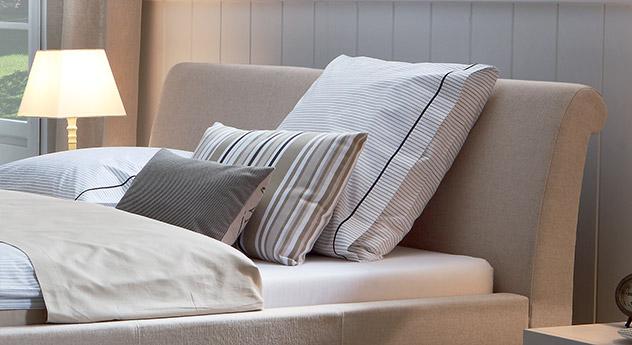 Tolles Design Bett Andorra mit bequemen Kopfteil