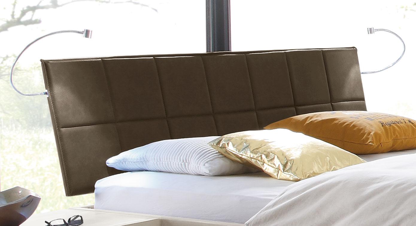 Modernes Bett Andros mit gestepptem Kopfteil