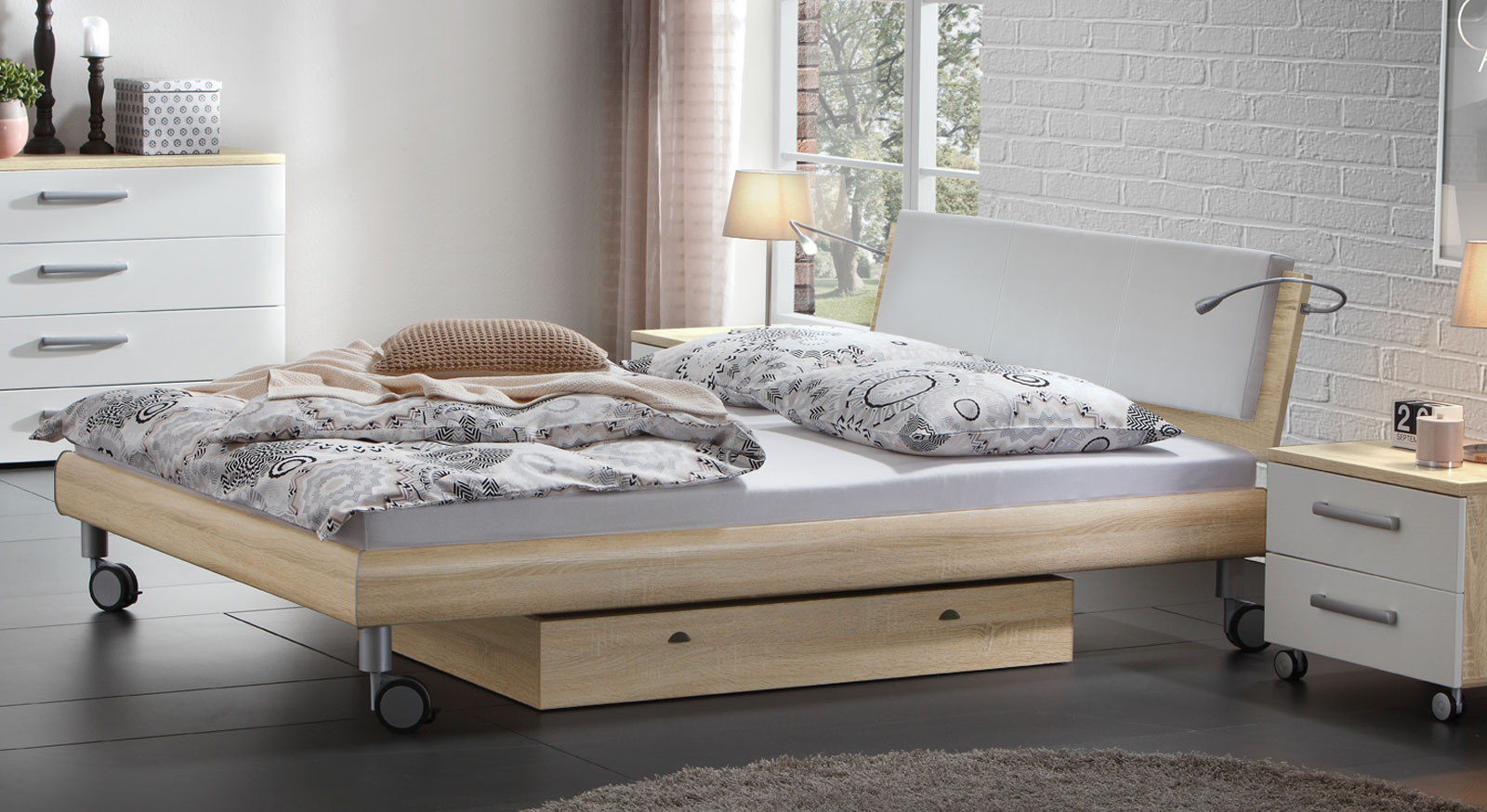 doppelbett in holzdekor mit rollen antia. Black Bedroom Furniture Sets. Home Design Ideas