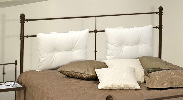 Bett Astara mit optionalen Kopfteil-Kissen