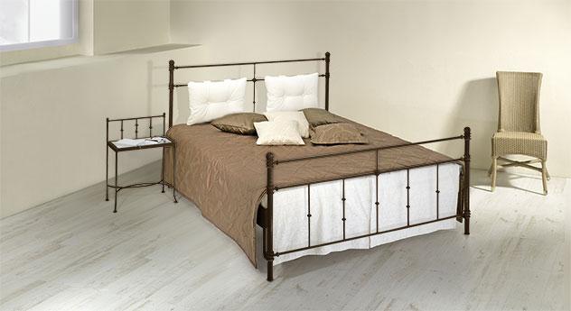 Bett Astara mit passenden Produkten