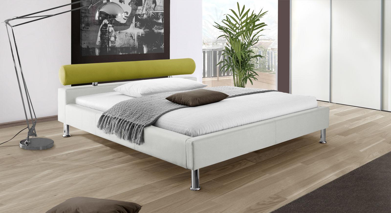 Bett Basildon in weißem Kunstleder mit grünem Stoff