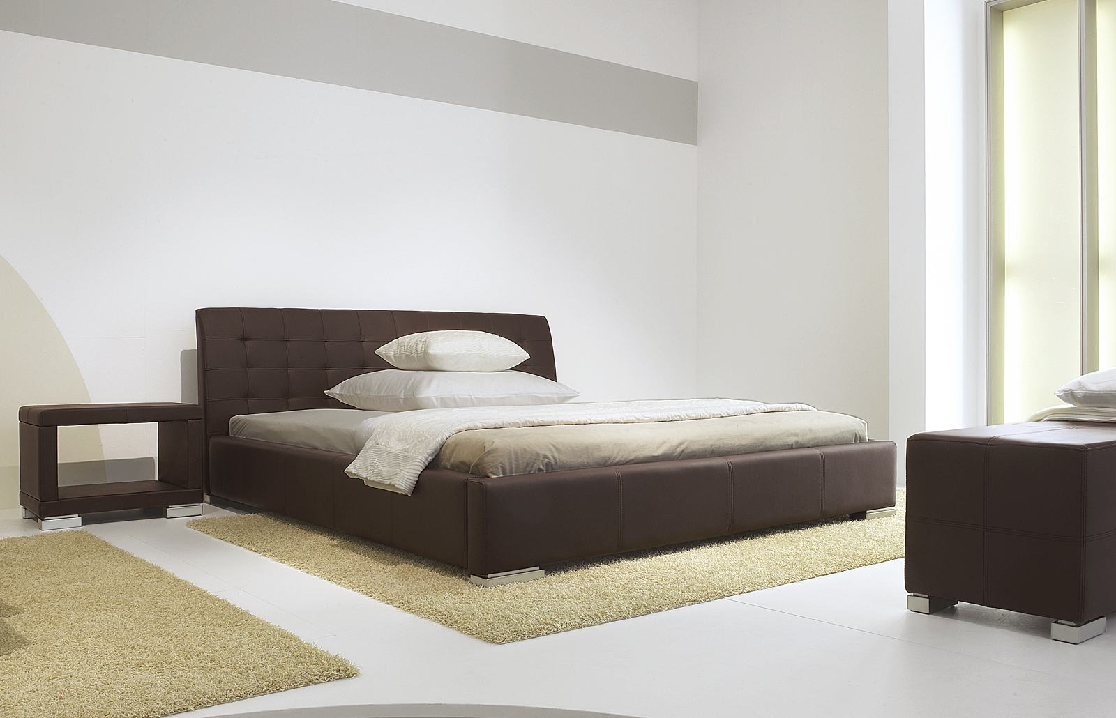 bett mit sehr hohem kopfteil. Black Bedroom Furniture Sets. Home Design Ideas
