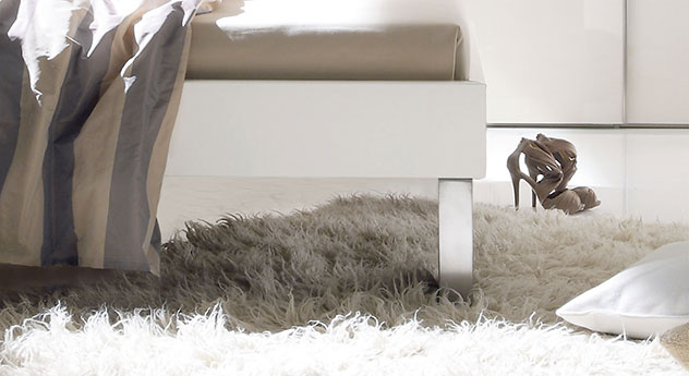 Bett Brescia aus MDF mit eleganten Fuessen