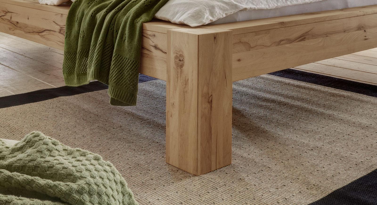 Bett Busto mit massiven und robusten Bettbeinen