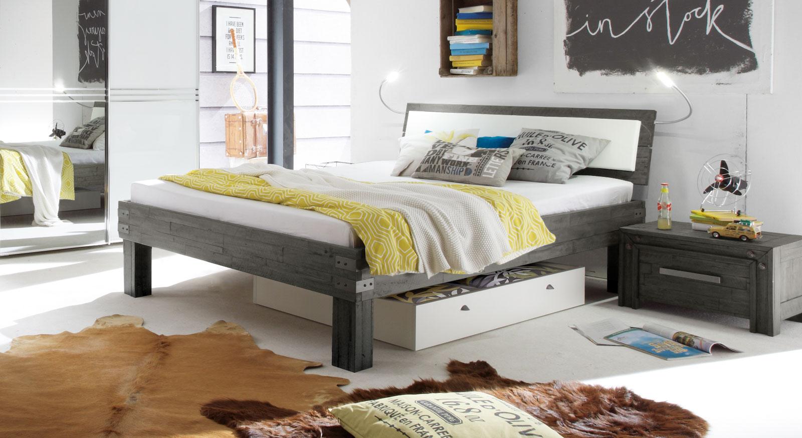 bett im industrial design aus akazie caldera. Black Bedroom Furniture Sets. Home Design Ideas
