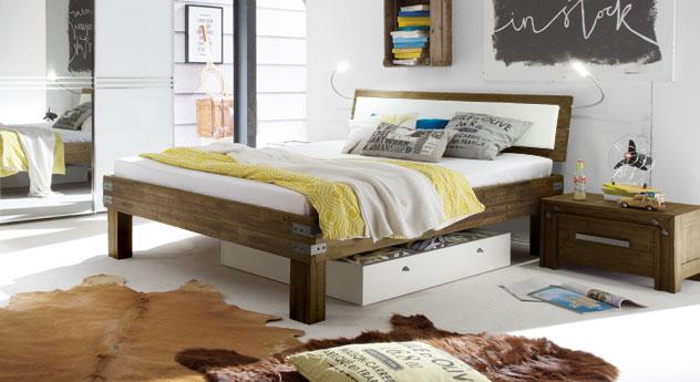 Bett Caldera im Industrial Design und in Komforthöhe
