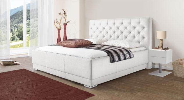 Bett Castletown mit weißem Kunstleder-Bezug