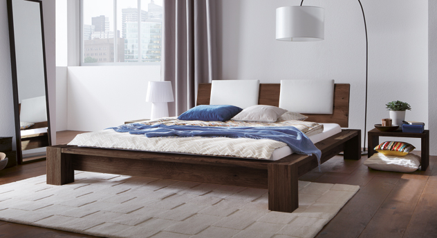 Bett Domingo auc Eiche Massiv geölt in Coffee.