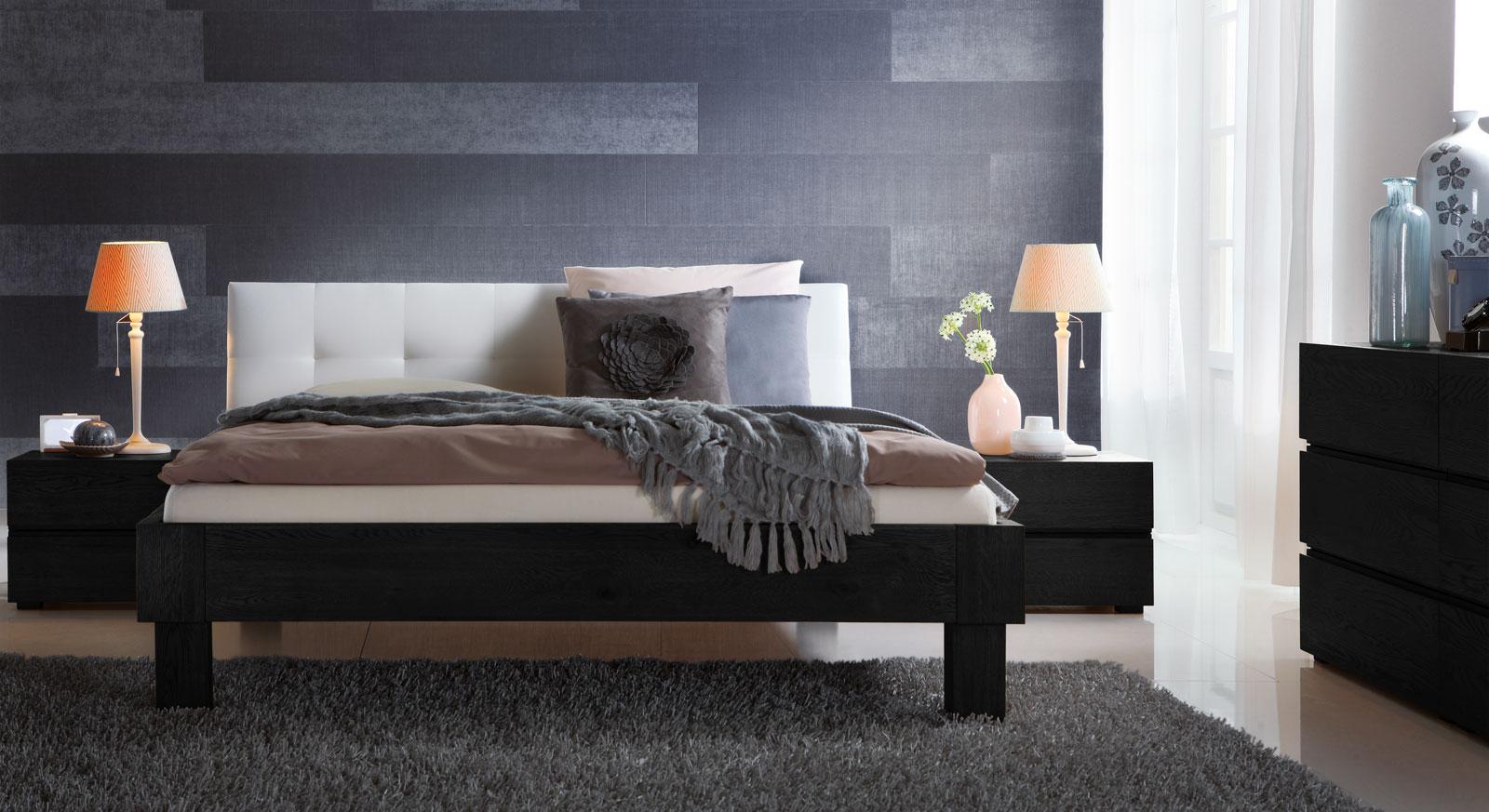 Bett Faro in graphitfarbener Eiche mit 20cm hohen Füßen
