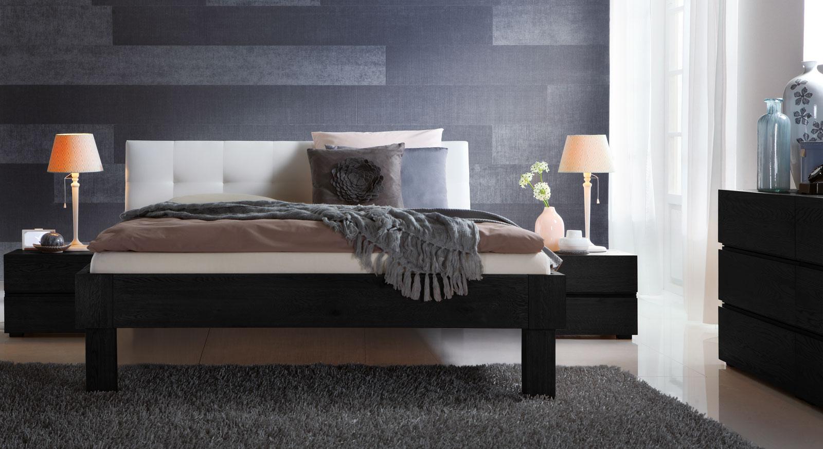 Bett Faro in graphitfarbener Eiche mit 25cm hohen Füßen