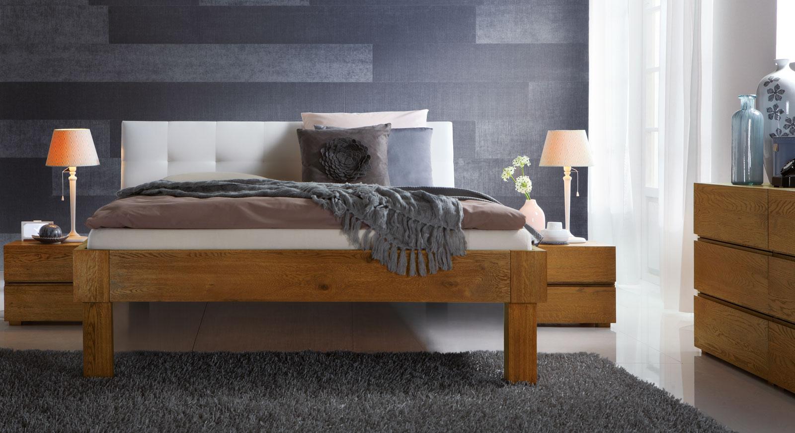 Bett Faro in Eiche natur mit 30cm hohen Füßen