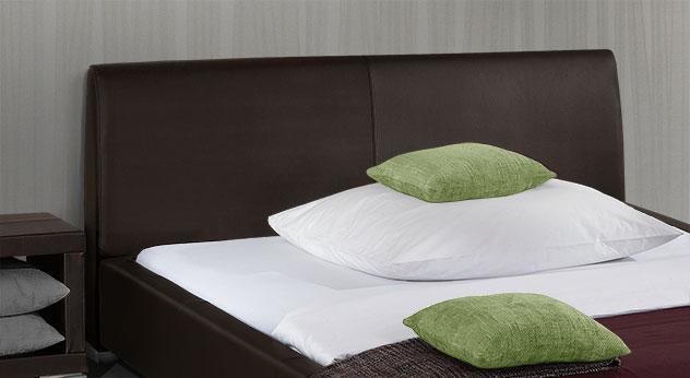 Hochwertiges Bett Firenze mit bequemem Kopfteil zum Anlehnen