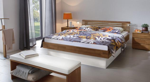 Das Bett Grosseto ohne Polster in Nussbaum