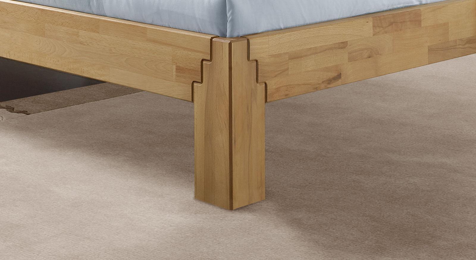 Bett Jura mit Bettbeinen in Treppenoptik