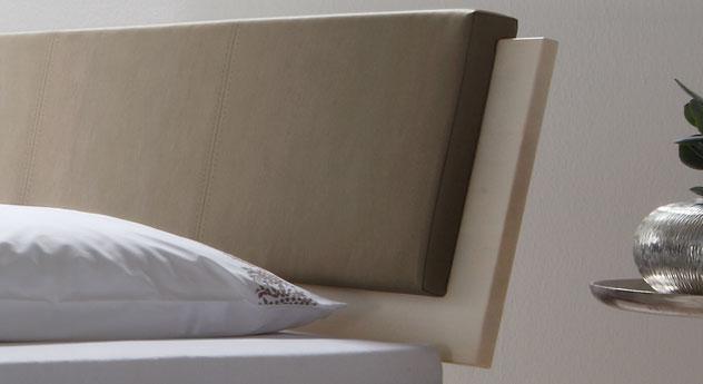 Bett Lecce mit Kopfteilpolster