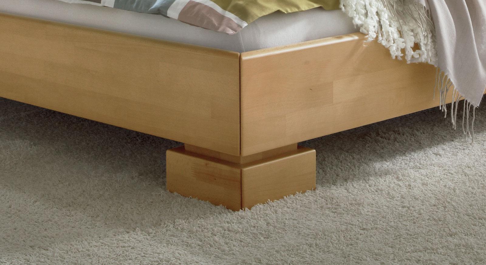 Bett Lima mit robustem Blockfüßen