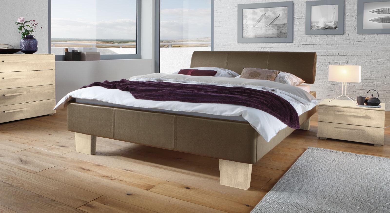 Schlafzimmer wandfarbe ideen: originelle schlafzimmergestaltung ...