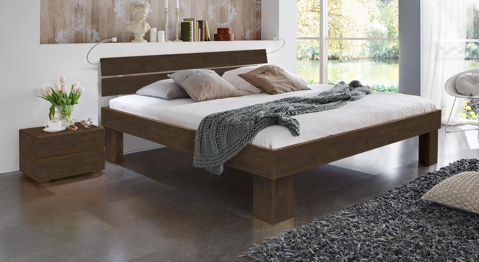 Bett Lucca Komfort in Buche wenge mit einer Fußhöhe von 30cm