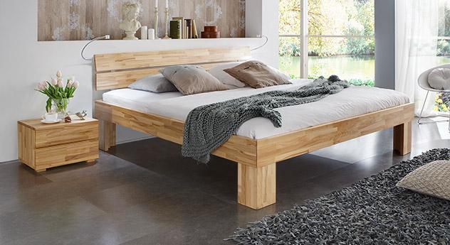 Bett Lucca Komfort in Kernbuche natur mit einer Fußhöhe von 30cm
