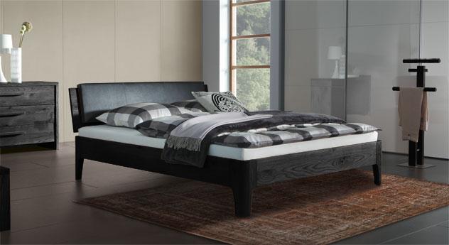 Eiche-Bett Lugo in graphitfarben mit 20cm hohen Füßen