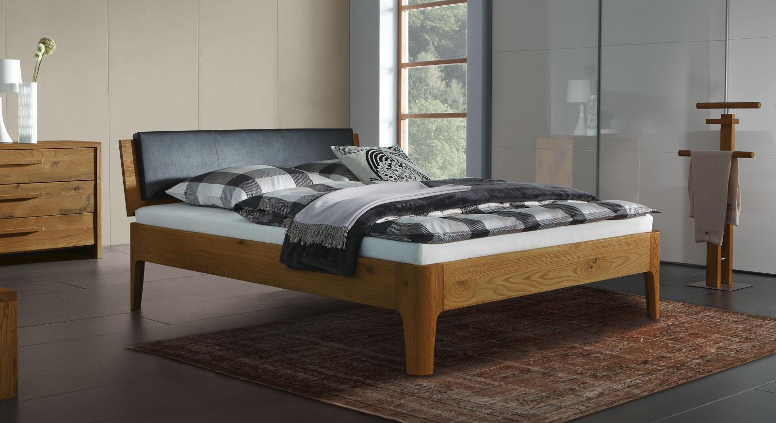 Eiche-Bett Lugo in natur mit 25cm hohen Füßen
