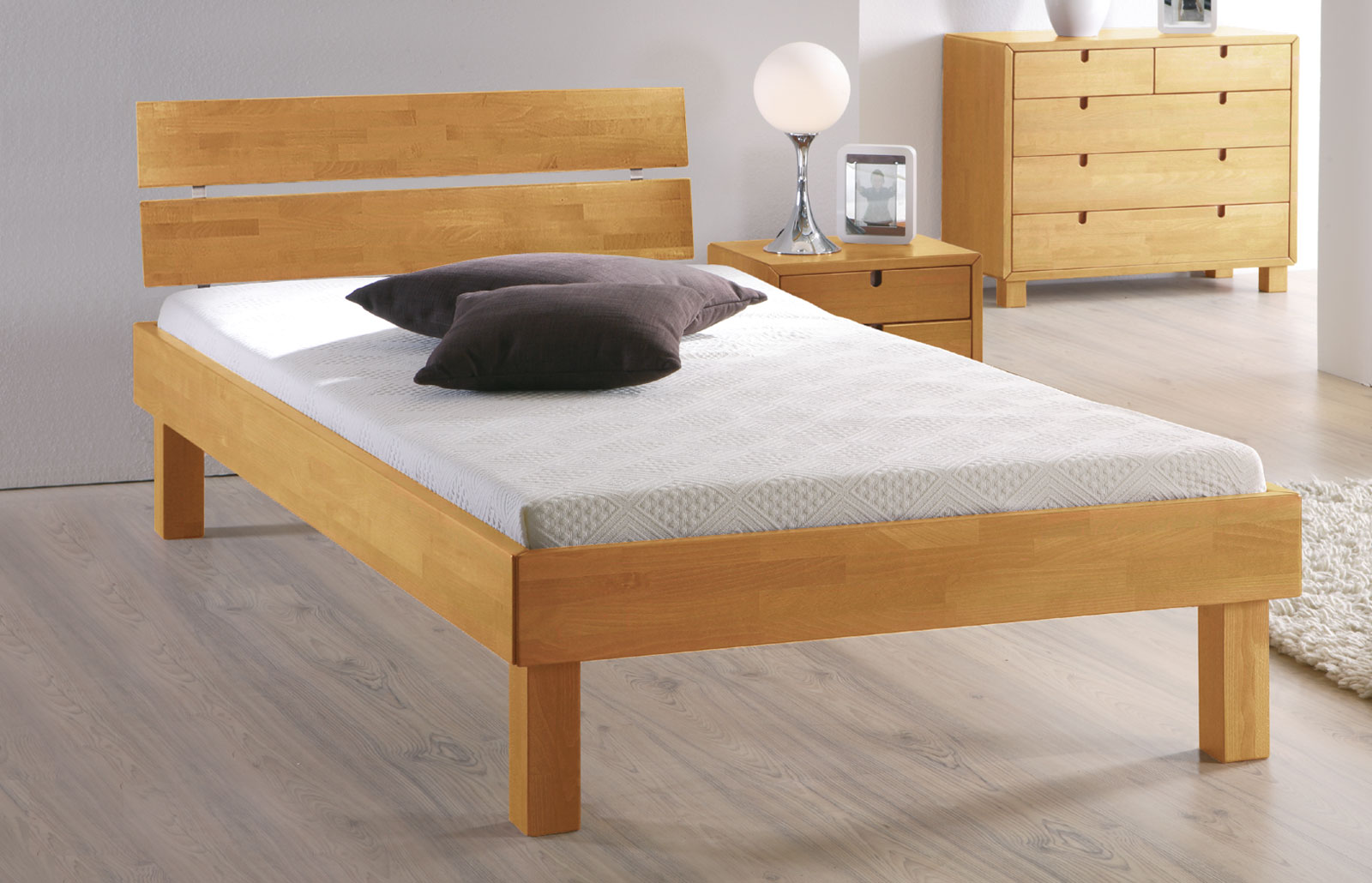 bett mit hoher liegefl che bett madrid komfort. Black Bedroom Furniture Sets. Home Design Ideas