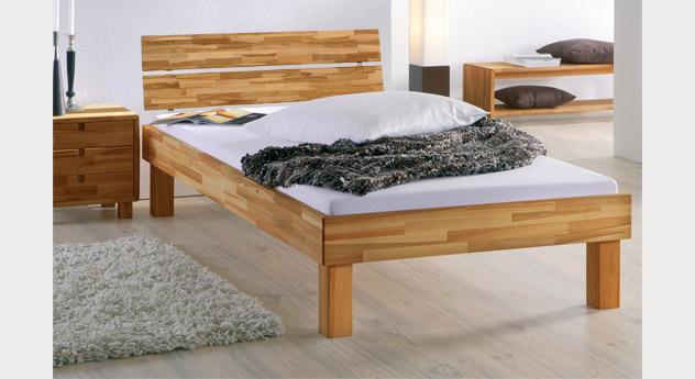 Bett Madrid Komfort in Kernbuche natur mit 25cm hohen Füßen