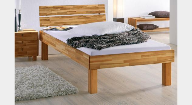 Bett Madrid Komfort in Kernbuche mit der Fußhöhe 30cm
