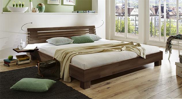 Bett Marmore aus Massivholz in Buche wengefarben