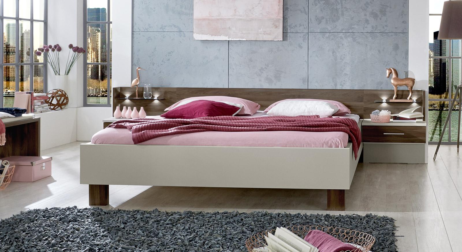spannende bett modern design fotos erindzain. Black Bedroom Furniture Sets. Home Design Ideas