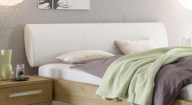 Ellipsenförmiges Kopfteil vom Bett Mondoro