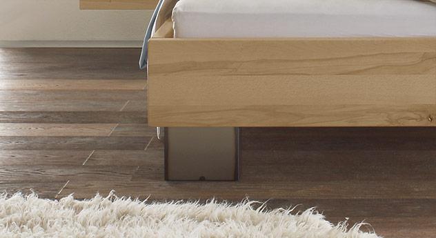 Bett Paleo mit Stahl-Füßen