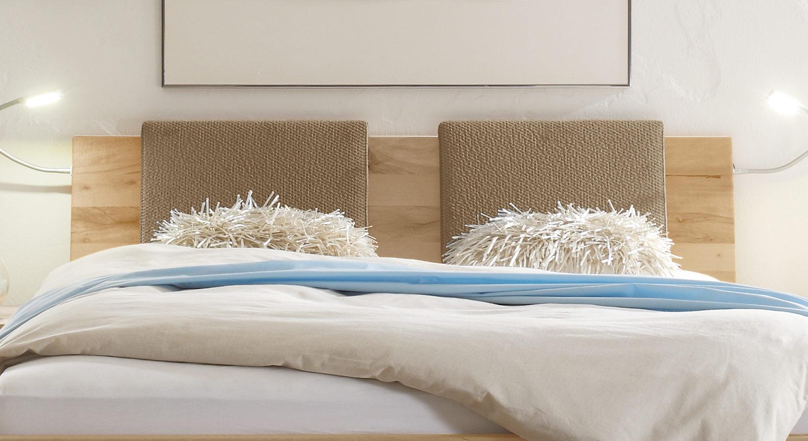 Bett Paleo mit durchgehenden Kopfteil