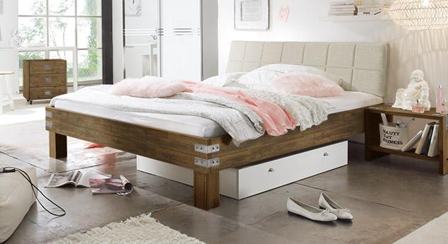 bett im modernen romantik look z b in wei pica. Black Bedroom Furniture Sets. Home Design Ideas