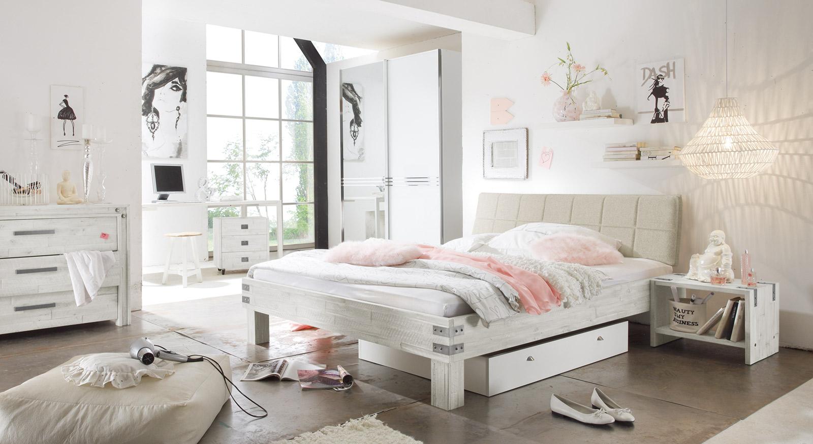 Bett Pica mit passenden Produkten