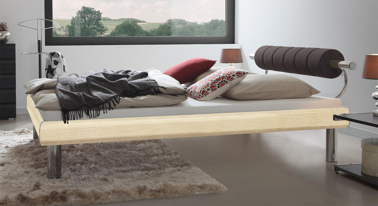 Bett Rocio in Ahorn mit eleganten Bettbeinen mit einer Höhe von 25cm