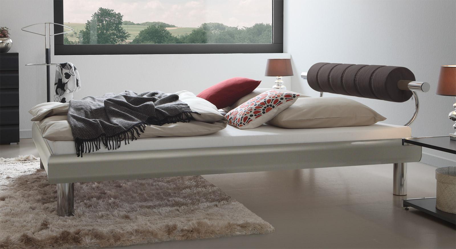 Designerbett Rocio in Metallfarben mit 20cm Fußhöhe