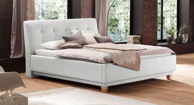 Bett Saida in weißem Kunstleder