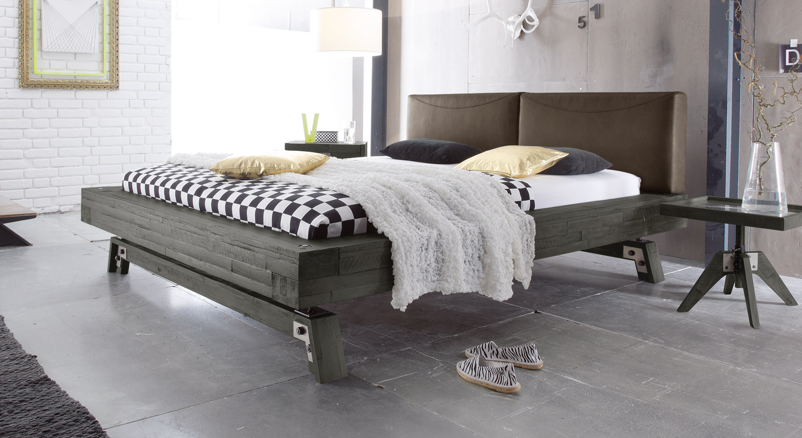 massivholz bett in grau aus akazie salo. Black Bedroom Furniture Sets. Home Design Ideas