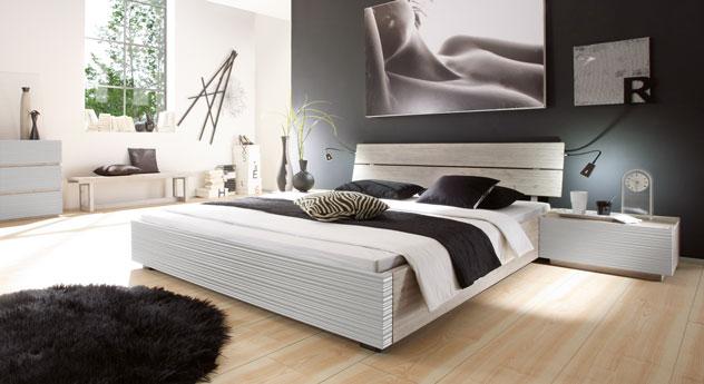 Bett Santerno mit passenden Produkten