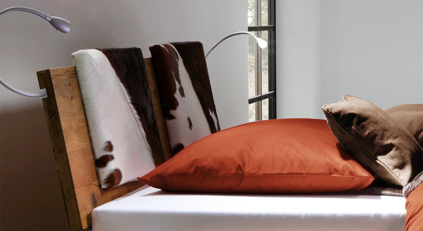 Bett santo- Kopfteil mit optionalen einsteck-kissen.