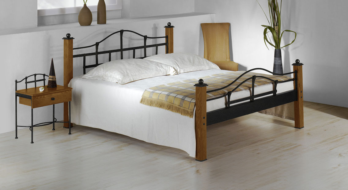 metallbett im landhausstil aus eiche 180x200 cm sinja. Black Bedroom Furniture Sets. Home Design Ideas