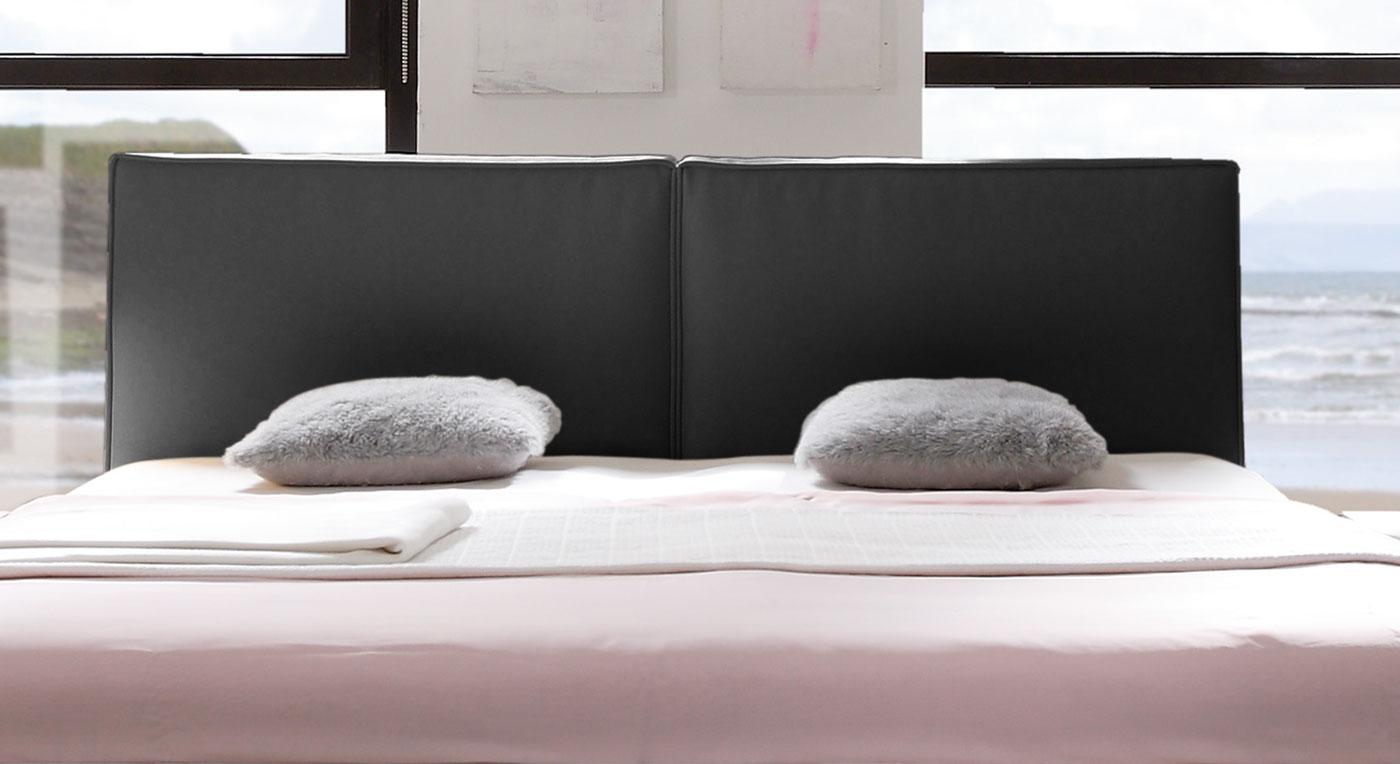 Bett Soana mit bequemen Kopfteilpolster aus schwarzem Kunstleder