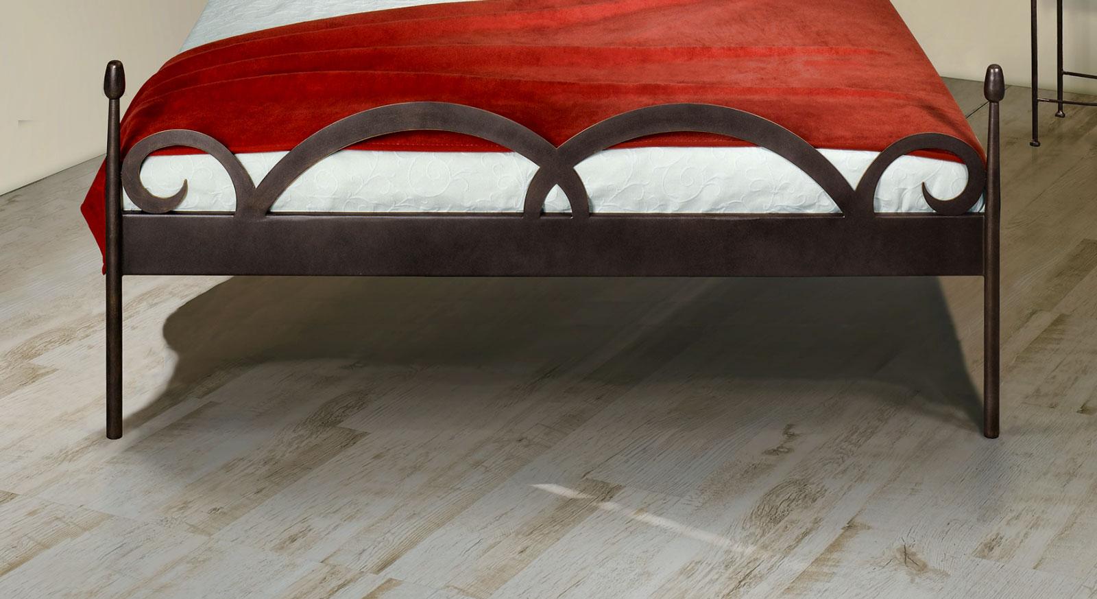 Bett Temco mit optionalem Fußteil
