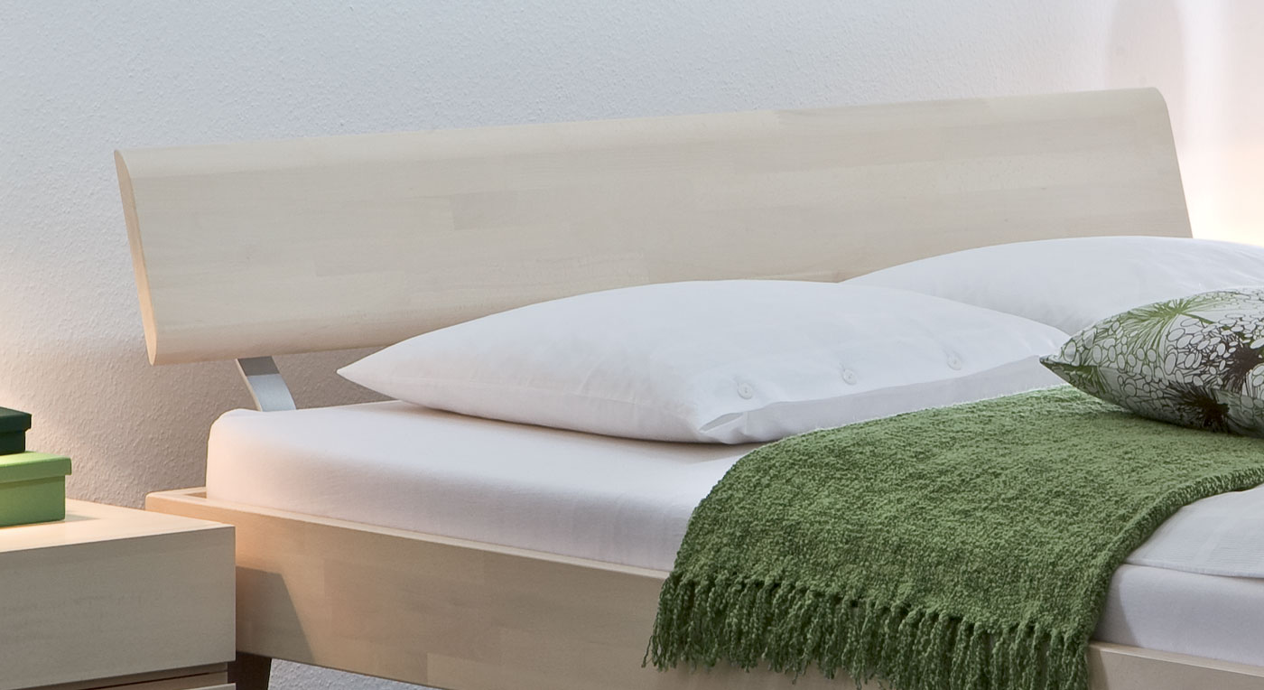 Elegantes Bett Teramo mit stilvollem kopfteil