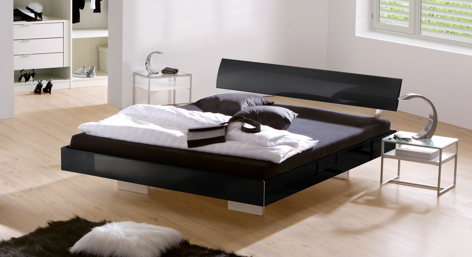 edles hochglanz schwebebett in schwarz z b 140x200 cm. Black Bedroom Furniture Sets. Home Design Ideas