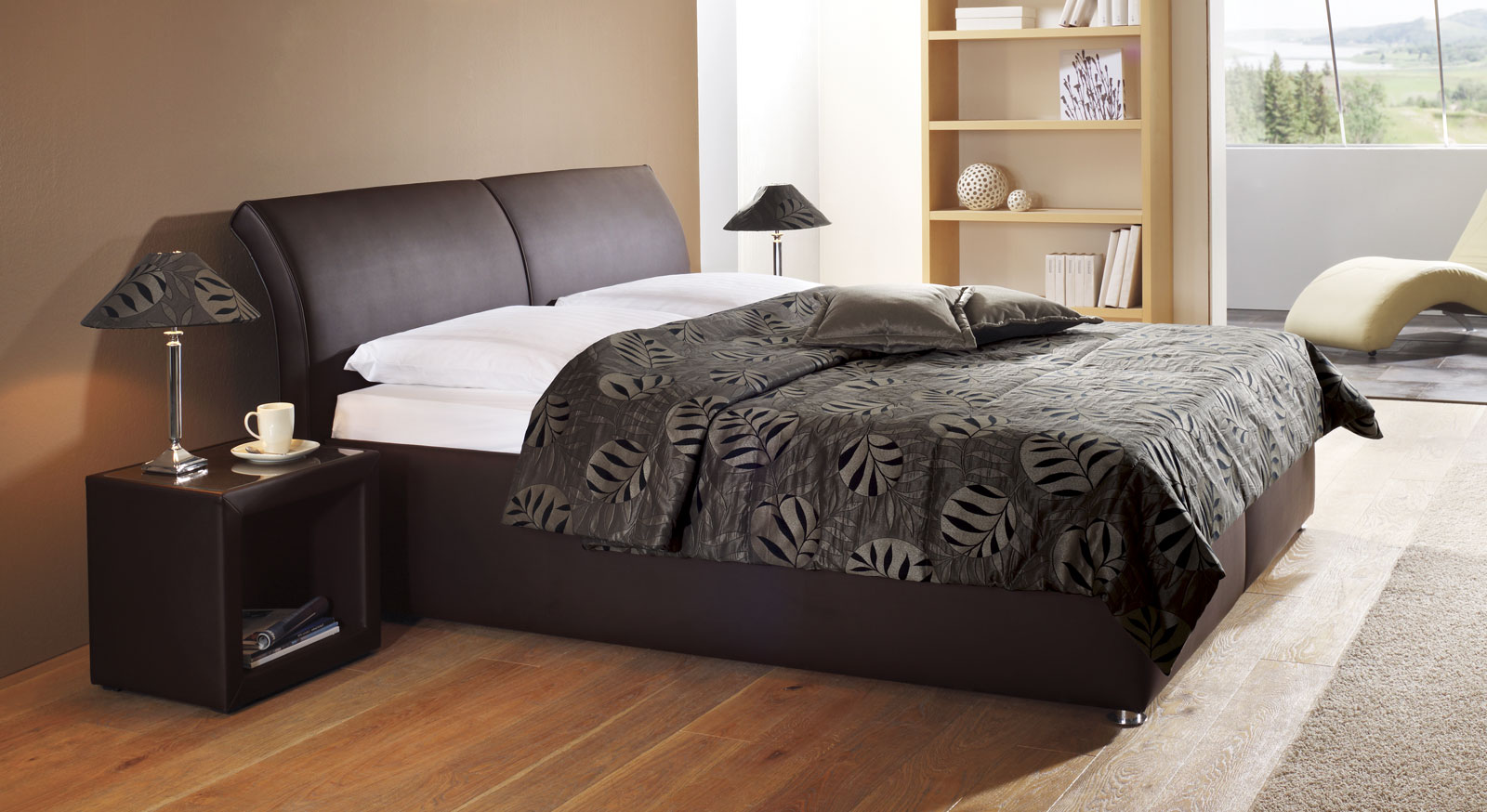 Bettgestell 180x200 hoch  Polsterbett Trapani mit Bettkasten in z. B. 180x200 cm