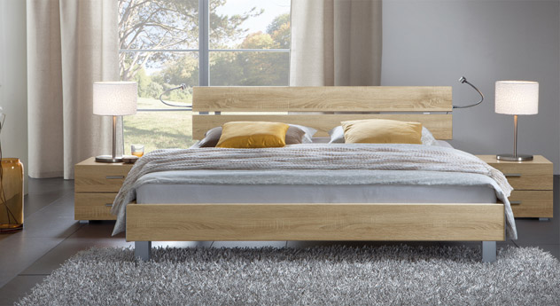 Das Bett Treviso aus MDF, eiche sägerau