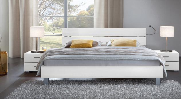 Das Bett Treviso aus MDF, hochglanz weiß